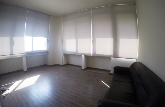 Office for rent in Jdeideh FC9090