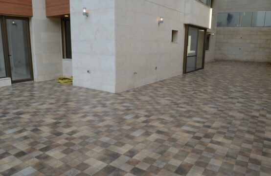 Terrace Apartment for Sale in Naccache FC9302